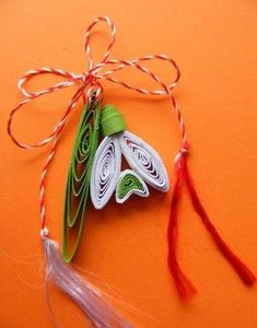 Neli Quilling, Paper Quilling Designs, Quilling Flowers, Paper Flowers, Design Crafts, Decor Crafts, Diy And Crafts, Paper Crafts, 8 Martie