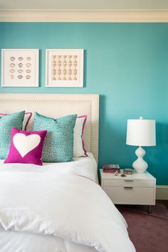 Colorful teen bedroom makeover from our Decorist friends