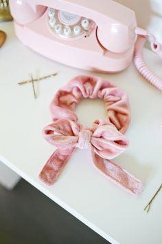 DIY: bow scrunchie