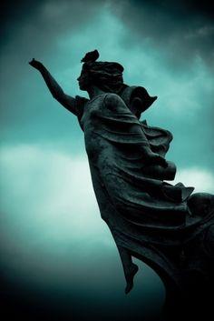 angel statue by pari4