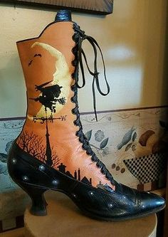 Uno de una clase de Halloween Bota De Las Brujas pintado a mano por Rhonda Cable. in Objetos de colección, Festividades y temporadas, Halloween | eBay