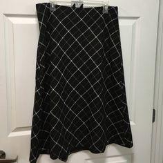 Talbots wool skirt Never worn plaid skirt Talbots Skirts A-Line or Full Wool Skirts, Plaid Skirts, Talbots, Womens Fashion, Closet, Stuff To Buy, Beauty, Style, Swag