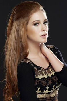 Marina Ruy Barbosa. Her look is so simplistically beautiful. :)