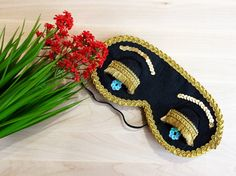 ☁ WELCOME to LoadingDreamsCo! ☁  You have a great opportunity to feel less stressed and more balanced with our Handmade Sleep Masks! Use this Breakfast at Tiffanys Sleep mask for better eyes relax during sleeping and youll wake up in a good mood and full of energy! Cute embroidery design will help you to have stylish look even during sleep and start your day very positively! This Delightful eye mask is perfect for everyday use or special occasions like wedding, bachelorette or PJ party. It…