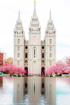 Salt Lake City LDS Temple - Salt Lake City, Utah The Church of Jesus Christ of Latter-day Saints Lds Temple Pictures, Lds Pictures, Church Pictures, Utah Temples, Lds Temples, Salt Lake City, Jesus Christ Lds, Angel Moroni, Mormon Temples
