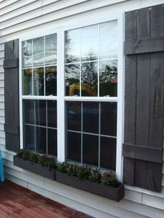 Thrifty Decor Chick: DIY window boxes!