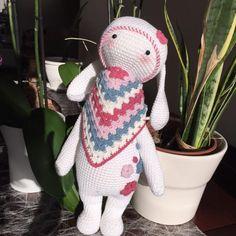 RITA the rabbit made by Beatriz R. / crochet pattern by lalylala
