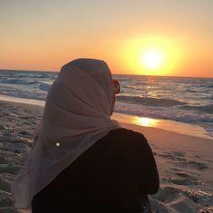 36 trendy Ideas for fashion inspiration photography mornings Casual Hijab Outfit, Hijab Dress, Hijabi Girl, Girl Hijab, Arab Fashion, Trendy Fashion, Fall Fashion, Hijab Niqab, Applis Photo