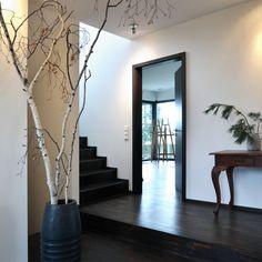 Einfamilienhaus im Bauhausstil - Plusenergiehaus | p - (Eingangsbereich - Treppenhaus)