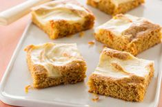 A store-bought spice cake mix is a clever shortcut to delicious carrot cake. Kraft Recipes, Raspberry Coconut Bars Recipe, Just Desserts, Dessert Recipes, Bar Recipes, Recipies, Carrot Cake Bars, Baked Carrots, Easter Recipes
