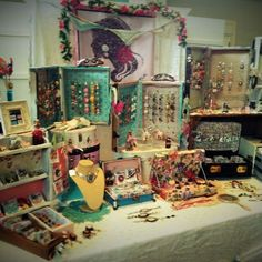 A very pretty way of displaying an assortment of gorgeous jewellery...another little stall that beckons one.