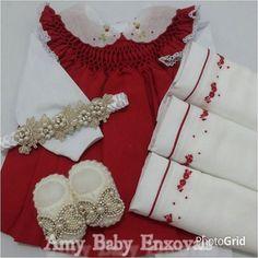 Mamães de meninas! Que tal essa saída de maternidade vermelha com gola bordada. Sapatinho e tiara em pérolas e lindas fraldas bordadas. Lindo né? Tem na @amy_baby_enxovais e frete grátis para todo brasil  #soumãeindica #dicademãe #saidadematernidade #recemnascidos #gravidez #grávidas #maternidade #gestação #paisefilhos #baby #bebê #fofura #love #amordemãe #amore #modababy #babygril