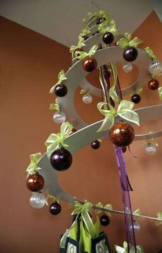 Spiral Christmas Trees #Christmas #Decor #Holidays