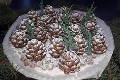 Christmas confection in the shape of cones! You will be surprised by everyone! Christmas Sweets, Holiday Desserts, Christmas Baking, Galletas Cookies, Christmas Cookies, Kreative Desserts, Pavlova, Creative Food, Kids Meals