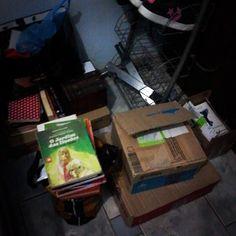 #desafioprimeira No Cantinho parte dos meus livros ecaixotados esperando pele mudança #instabook #blog #bymyself