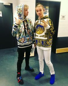 OMG the best sweaters babies😍😍😍💋💋❤❤ Cool Sweaters, Baby Sweaters, Stage Outfits, Christmas Sweaters, This Is Us, Graphic Sweatshirt, Celebs, Sweatshirts, Instagram