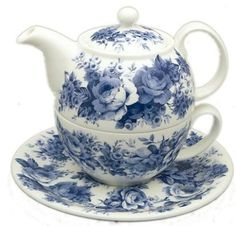 Roy Kirkham Blue English Chintz Bone China Tea for One Tea For One, My Cup Of Tea, Blue And White China, Blue China, Cuppa Tea, Teapots And Cups, Tea Service, Chocolate Pots, Vintage Tea