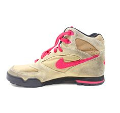 size 40 35c50 318b9 Vintage Retro Women s Nike Lava Dome Hiking Boots Shoes