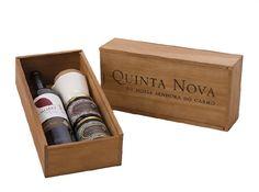2 x Doce de Fruta Extra Quinta Nova  1 x Compoteira Cerâmica e Cortiça  1 x Pomares Tinto 2012  Embalagem: Caixa de Madeira