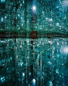 Lucas Samaras mirrored room- that looks so cool kind of like a borg cube!