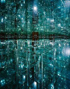 Lucas Samaras mirrored room- that looks so cool kind of like a borg cube!