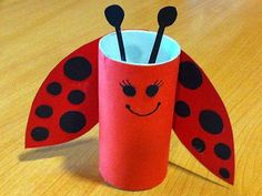 You can recycle whatever you want like this toilet roll Kids Crafts, Summer Crafts, Toddler Crafts, Arts And Crafts, Toilet Roll Craft, Toilet Paper Roll Crafts, Ladybug Crafts, Pot A Crayon, Quilling Patterns