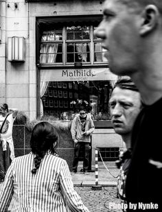 Waiting for Mathilde - Amsterdam © Nynke van Holten 2014