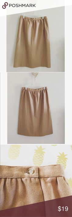 Chaus Made in Hong Kong Chaus made in Hong Kong Skirt in excellent condition. Chaus Skirts