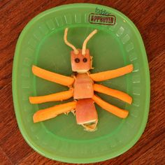Easy Ant Puppet & Snack for Toddlers and Preschoolers! Preschool Cooking, Cooking With Kids, Toddler Preschool, Preschool Class, Toddler Snacks, Healthy Snacks For Kids, Animal Themed Food, Ant Crafts, Picnic Birthday
