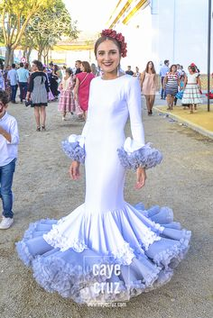 Flamencas en la Feria de Lebrija 2017 | CayeCruz Blue And White Dress, Fishtail, Nice Dresses, Spain, Prom, Costumes, Womens Fashion, Sexy, Skirts