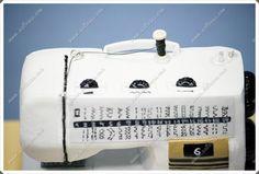 Maquina de coser con porexpan, goma eva y pintada a mano  Todas mis muñecas están registradas y está prohibida su copia.  www.xeitosas.com