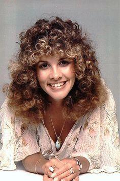 Stevie Nicks big curly hair in 1983