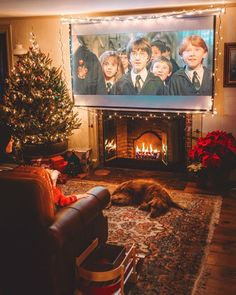 These Are Going to Be the Biggest Trends in Holiday Decor This Year Send Christmas Cards, Merry Christmas, Cosy Christmas, Christmas Feeling, Christmas Night, Christmas Tumblr, Magical Christmas, Christmas Ideas, Christmas Photos