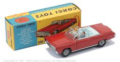 Corgi 246 Chrysler Imperial with figures and gold clubs