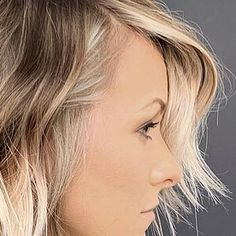 15 Textured Choppy Bobs To Inspire Your Next Cut in 2021 Blonde Balayage, Blonde Highlights, Ice Blonde, Short Blonde, Blonde Hair, Creamy Blonde, Bright Blonde, Straight Hairstyles, Latest Hairstyles
