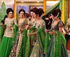 Wedding Wear Look-Book for Bridesmaid Dresses - Style Tips Mughal Jewelry, Pakistani Jewelry, Pakistani Bridal, Bridal Lehenga, Pakistani Dresses, Indian Dresses, Indian Outfits, Pakistani Mehndi Dress, Bridal Chura