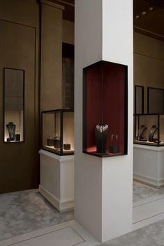 Tristan Auer- Stand Cartier pour la Biennale des antiquaires Paris - Grand Palais #jewelry shop design