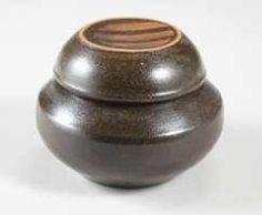 traditional onggi 10cm. Ichon, Korea Jar Lids, Jars, Kimchi, Earthenware, Ceramic Art, Art Pieces, Porcelain, Korean, Pottery