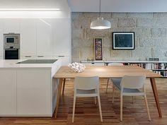 SANTOS kitchen. Moderno apartamento para una joven pareja, por Castroferro Arquitectos