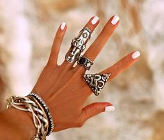 How to Chic: BOHO RINGS AND BRACELETS