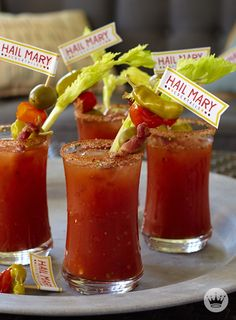 Be prepared for whatever sports occasion may come your way with these 10 game-day recipes and free printables. Plus, with fun football-related names like Bloody Hail Mary cocktails, your guests are sure to get a kick out of these entertaining ideas. Football Tailgate, Football Snacks, Tailgate Food, Football Shirts, Football Parties, Football Humor, Football Season, College Football, Bloody Mary Recipes
