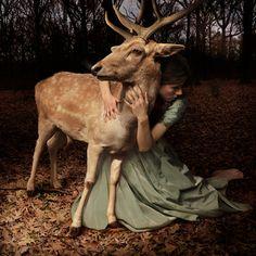 Voici le Travail Formidable du Photographe Tom Chambers, qui réalise des Photomontages exceptionnels, véritables Images sorties tout droit de Contes de Fées et de Rêves.
