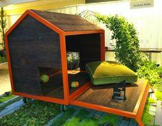 sustainable dog house1 Eco Day ~ Dog House Designs
