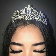 quote: lift your head up princess, your tiara is slipping Quinceanera Tiaras, Quinceanera Dresses, Cute Jewelry, Jewelry Accessories, Trendy Accessories, Bad Girl Aesthetic, Quince Dresses, Tiaras And Crowns, Baddies