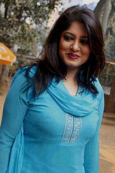 Beauty Full Girl, Beauty Women, Collection Eid, Girl Photo Gallery, Beautiful Women Over 40, Beautiful Smile, Beautiful Roses, Simply Beautiful, Pakistani Girl