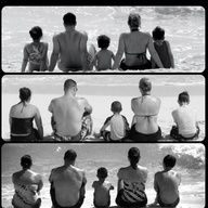 Love this idea for taking family pictures on vacations and documenting them to show how the family grows