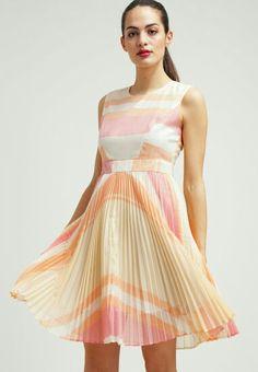 Light pink dress <3