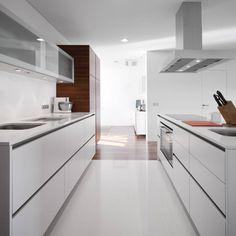 Casa em Aradas - Aveiro : Casas modernas por RVDM, Arquitectos Lda