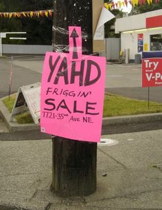 Some people love a good yard sale but everyone loves funny yard sale signs. Here are the top 18 funniest yard sale signs we found. Yard Sale Signs Funny, Garage Sale Signs, Funny Signs, Garage Sale Organization, Yard Edging, Makeover Before And After, For Sale Sign, Diy Signs, Southern Style