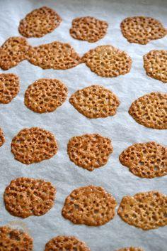 Praliné Paradicsom: Milotai mézes diótorta - az ország tortája 2013-ban Dog Food Recipes, Cereal, Cookies, Breakfast, Desserts, Caramel, Crack Crackers, Morning Coffee, Tailgate Desserts